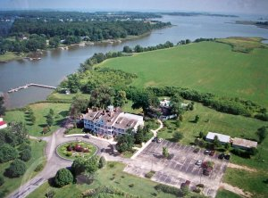 Ariel view of Kent Manor Inn and Thompson's Creek